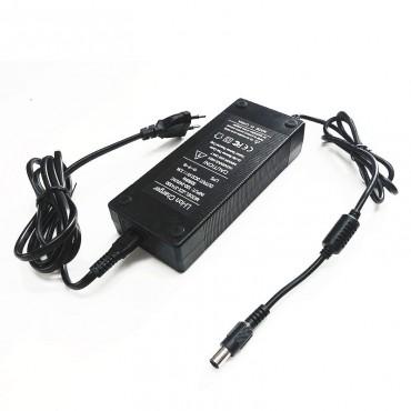 Chargeur 33V 3.5ah pour Booster Plus -  Connecteur 8mm