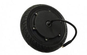Roues, pneus et moteur